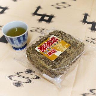 沖縄県産純黒糖『特等』板 1kg