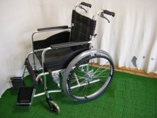 【中古車椅子】《Aランク品》松永製作所 自走式車椅子 AR-201B(42幅) (WCMA202-A)