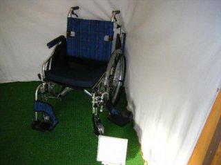 ミキ 自走式車椅子 ケアジャスト MC-KM001 多機能スタンダード (WCMI225)
