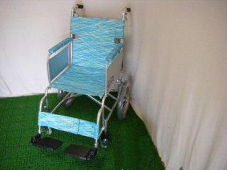 【中古車椅子】《Aランク品》日進医療器 介助式車椅子 NAH-L10 (WCNS106-A)
