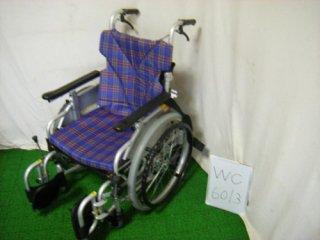 【中古車椅子】《Sランク》カワムラサイクル 自走式 KAK20-40B-LO 低床こまわりく(WC-6013)