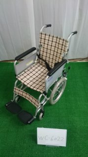 【中古車椅子】《Bランク》カワムラサイクル 介助式車椅子  KAK16-40 こまわりくん(介ブレ無)(WC-6022