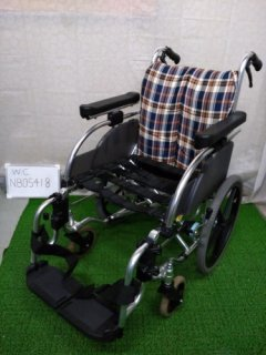 【中古車椅子】《Bランク》松永製作所 介助式車椅子 AR-901(WC-NB05418)