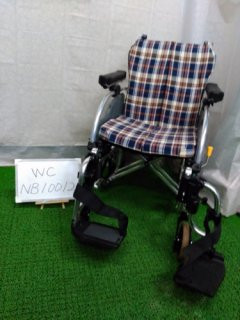 【中古車椅子】《Aランク》松永製作所 介助式車椅子 AR-900(介助)(WC-NV10012)