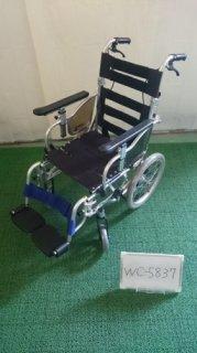 【中古車椅子】《Bランク》カワムラサイクル 介助式車椅子 KZ16-38 (WC-5837)
