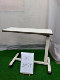 【中古】《Aランク》パラマウントベッド サイドテーブル KF-281 (OT-6979)