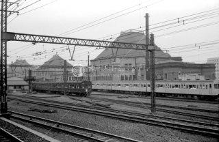 東京駅 創建時に復原する前の三角屋根の丸の内駅舎 1963年7月