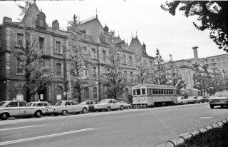 馬場先門-都庁前間 三菱東9号館旧三菱1号館前 5系統104 1967年11月
