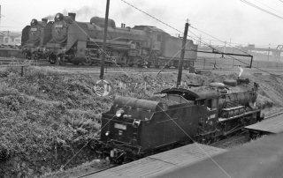 新鶴見操車場 手前9600形蒸気機関車 1965年5月