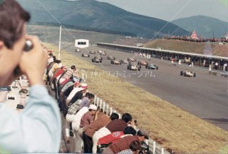 富士スピードウェイ レーススタート 昭和41.10.9 1966
