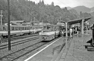 大井川鉄道 井川線 千頭駅ホーム 1981年3月