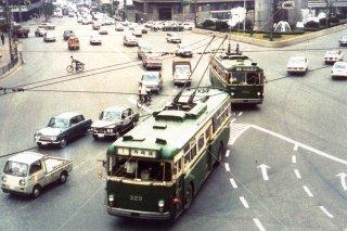 無軌条電車 大阪市営トロリーバス阪急百貨店前 1960年代