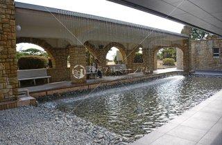 ジェームス邸 中庭滝