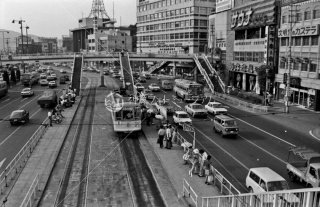 長崎電気軌道 長崎駅前停留所 歩道橋より 1974年8月