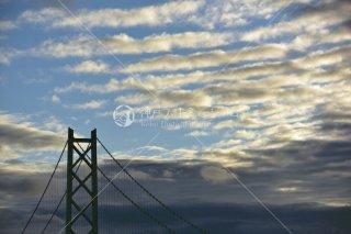 鰯雲 明石海峡大橋