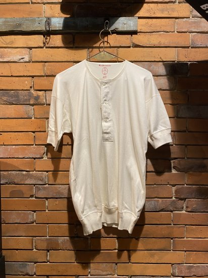 <img class='new_mark_img1' src='https://img.shop-pro.jp/img/new/icons1.gif' style='border:none;display:inline;margin:0px;padding:0px;width:auto;' />OLDE HOMESTEADER/HENRY NECK SHORT SLEEVE(IVORY)