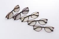 Feel(フィール)〜 トレンドのメガネ型オールタイムサングラス