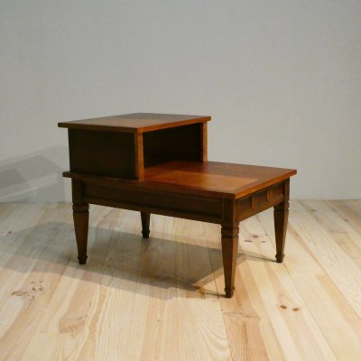 <img class='new_mark_img1' src='https://img.shop-pro.jp/img/new/icons30.gif' style='border:none;display:inline;margin:0px;padding:0px;width:auto;' />Vintage End Table/BASETT FURNITURE