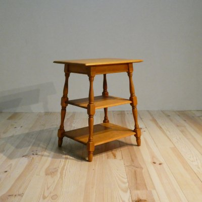 <img class='new_mark_img1' src='https://img.shop-pro.jp/img/new/icons30.gif' style='border:none;display:inline;margin:0px;padding:0px;width:auto;' />Vintage Side Table / HEYWOOD WAKEFIELD