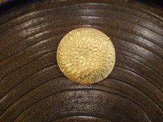 大桃沙織 真鍮ブローチ 丸