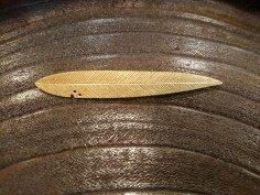 大桃沙織 真鍮ブローチ はっぱ