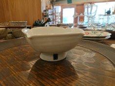 �橋芳宣 白瓷四方台小鉢