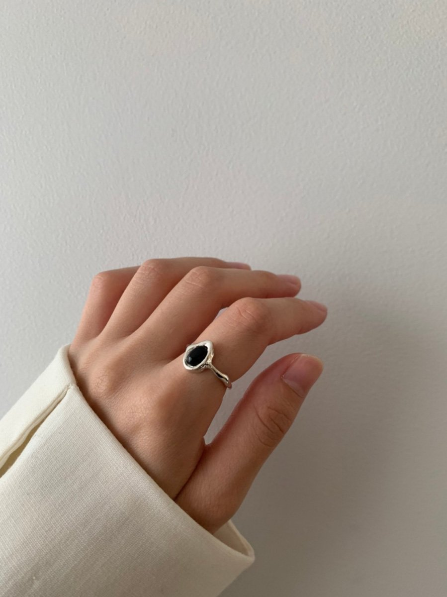 on black ring