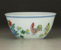景徳鎮 大明成化闘彩鶏缸杯(通称「チキンカップ」)