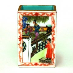景徳鎮 粉彩方形筆筒