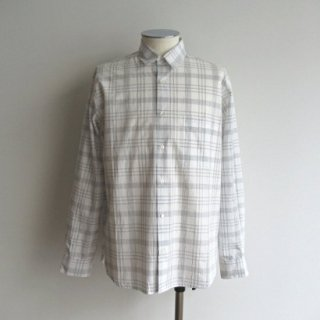 <img class='new_mark_img1' src='https://img.shop-pro.jp/img/new/icons20.gif' style='border:none;display:inline;margin:0px;padding:0px;width:auto;' />LA MOND(ラモンド) STRIPE SHIRT