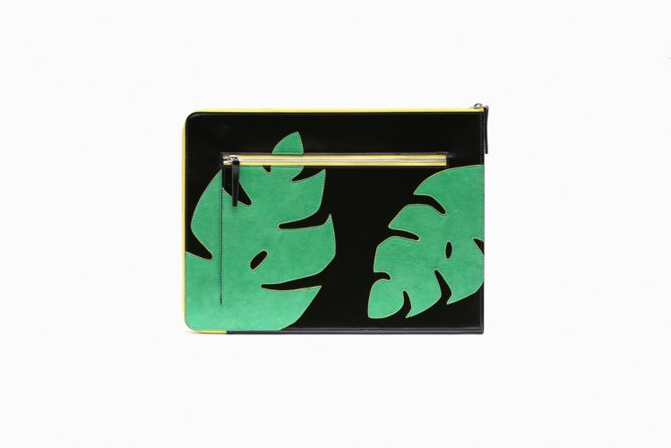 [40%OFF] MONSTERA PATCHED CLUTCH