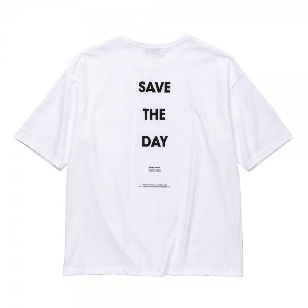 SAVE THE DAY OVERSIZED POKET TEE<img class='new_mark_img2' src='//img.shop-pro.jp/img/new/icons8.gif' style='border:none;display:inline;margin:0px;padding:0px;width:auto;' />