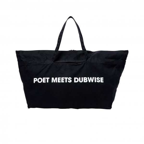 POET MEETS DUBWISE x KHISONOIO WIDE TOTE BAG<img class='new_mark_img2' src='//img.shop-pro.jp/img/new/icons8.gif' style='border:none;display:inline;margin:0px;padding:0px;width:auto;' />