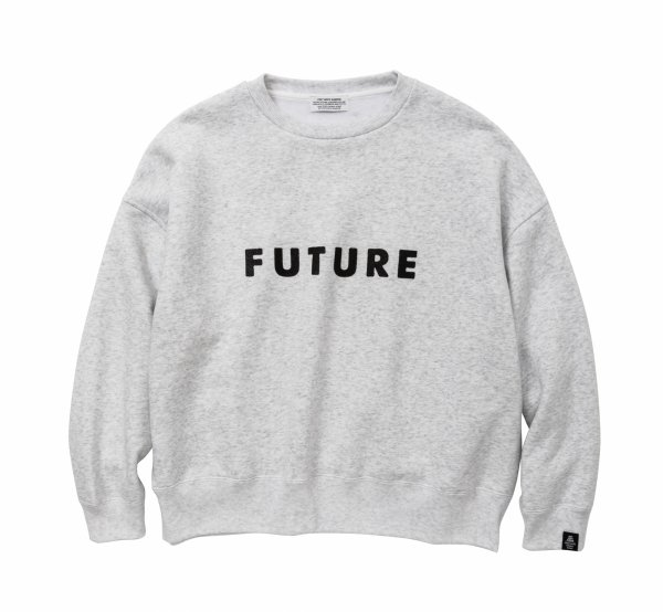 FUTURE Big silhouette Sweat<img class='new_mark_img2' src='https://img.shop-pro.jp/img/new/icons8.gif' style='border:none;display:inline;margin:0px;padding:0px;width:auto;' />