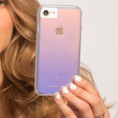 【iPhone8 光の加減で色が変化する個性的なケース】iPhone8/7/6s/6 Naked Tough - Iridescent