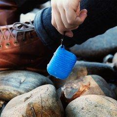 【エアポッドケース・AirPods 第1世代・第2世代・ワイヤレス充電OK・耐水】AirPods Water Resistant Case Blue w/ Black Carabiner