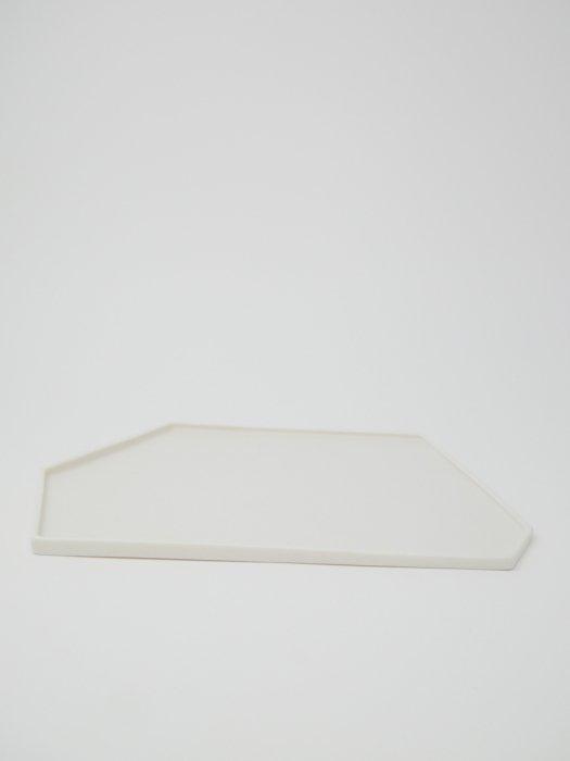 変形皿 / 白石陽一