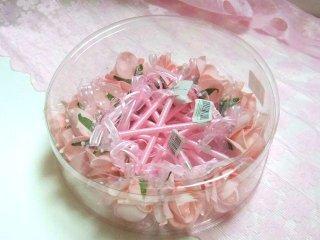【薔薇の花のプチギフト】ローズボールペン (10本入り)