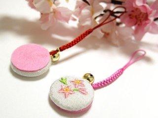 【ちりめん和風小物】 桜の花 根付け