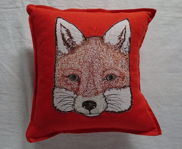 <img class='new_mark_img1' src='https://img.shop-pro.jp/img/new/icons47.gif' style='border:none;display:inline;margin:0px;padding:0px;width:auto;' />CORAL&TUSK APPLIQUE PILLOWS Fox Applique