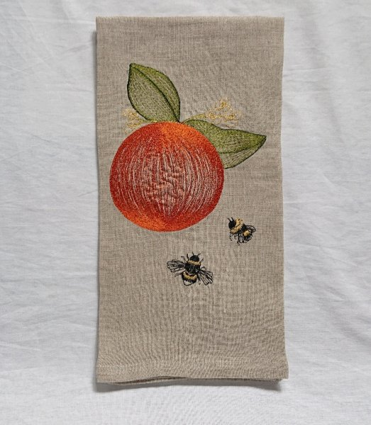 <img class='new_mark_img1' src='https://img.shop-pro.jp/img/new/icons47.gif' style='border:none;display:inline;margin:0px;padding:0px;width:auto;' />CORAL&TUSK TEA TOWELS Orange&Bees