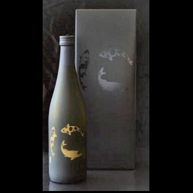 【販売店限定商品】越の鶴 純米吟醸 錦鯉ボトル≪化粧箱入≫<br>【720ml】