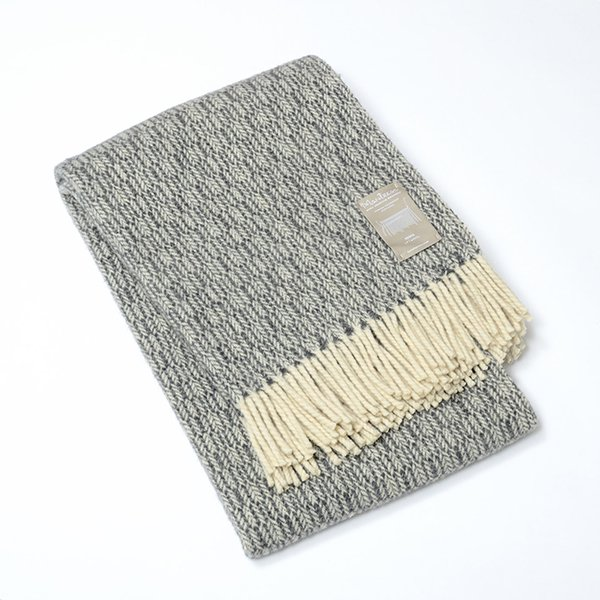 Mantecas by Burel factory<br>wool blanket ESPIGA