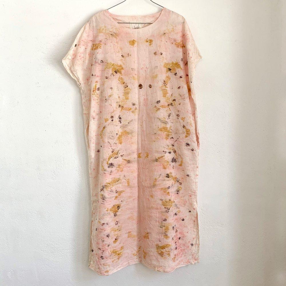 Funatabi atelier<br>side slit dress<br>botanical dye