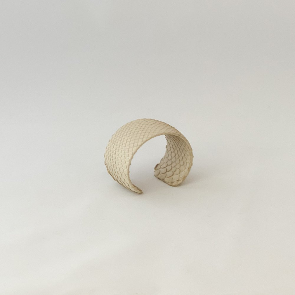 logsee<br>LO collection<br>Bangle