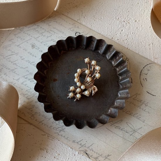 Antique bouquet brooch
