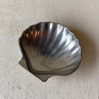 Vintage shell tray<img class='new_mark_img2' src='//img.shop-pro.jp/img/new/icons47.gif' style='border:none;display:inline;margin:0px;padding:0px;width:auto;' />