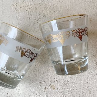 Vintage liqueur glass<img class='new_mark_img2' src='https://img.shop-pro.jp/img/new/icons47.gif' style='border:none;display:inline;margin:0px;padding:0px;width:auto;' />
