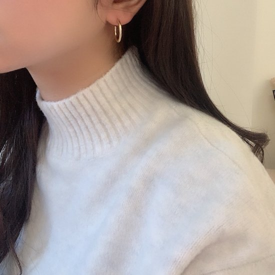 Gold hoop pierce<img class='new_mark_img2' src='https://img.shop-pro.jp/img/new/icons18.gif' style='border:none;display:inline;margin:0px;padding:0px;width:auto;' />