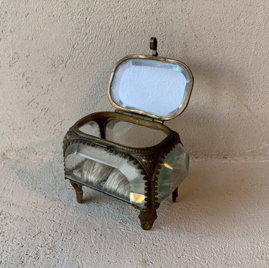 France antique jewelry box<img class='new_mark_img2' src='//img.shop-pro.jp/img/new/icons47.gif' style='border:none;display:inline;margin:0px;padding:0px;width:auto;' />